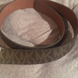 Michael Kors reversible brown leather belt